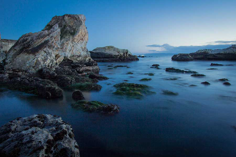 REVIEW: Shell Beach near Pismo Beach on the Central Coast of California – photo by Richard Dewhirst